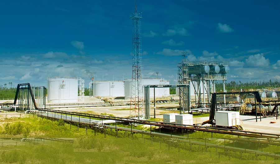 нефтеперерабатывающий завод фото2
